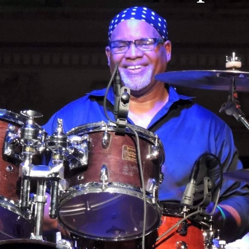 Darrell 'Tutu' Jumper performing